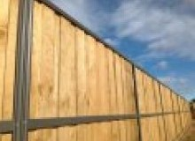 Kwikfynd Lap and Cap Timber Fencing alcomie